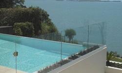 Guarda corpo de piscina