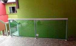 Guarda corpo de vidro usado