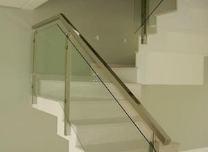 corrimão com vidro para escada