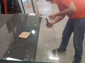 cortando vidro temperado