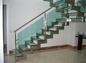 escada de vidro com inox