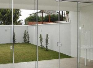 porta janela de vidro