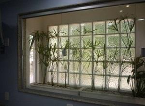 tijolo de vidro transparente