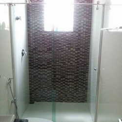 banheiro de blindex
