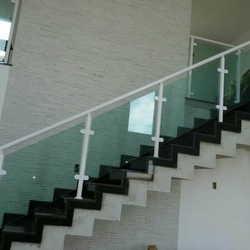 Corrimão de escada de vidro