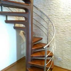 corrimão escada caracol