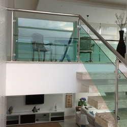 corrimão escada vidro