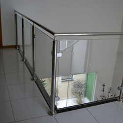 corrimão inox é vidro
