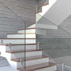 escada com guarda corpo