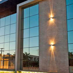 fachada com vidro