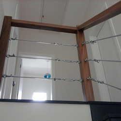 guarda corpo de madeira com cabo de aço