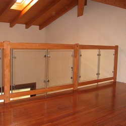 guarda corpo de madeira e vidro