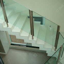 guarda corpo de vidro escada
