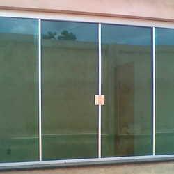 janela de vidro temperado