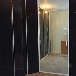 Porta de vidro com espelho