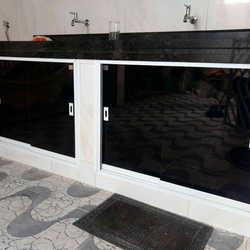 porta de vidro para pia