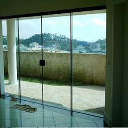 Porta de vidro para sacada