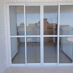 porta de vidro para varanda