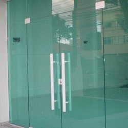 porta em vidro temperado