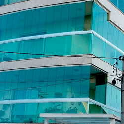 vidro temperado azul